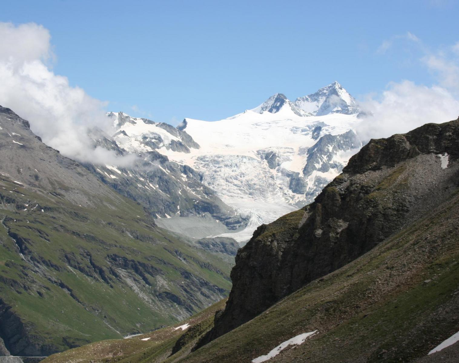 France  DE CHAMONIX A ZERMATT   Trek & Randonnée