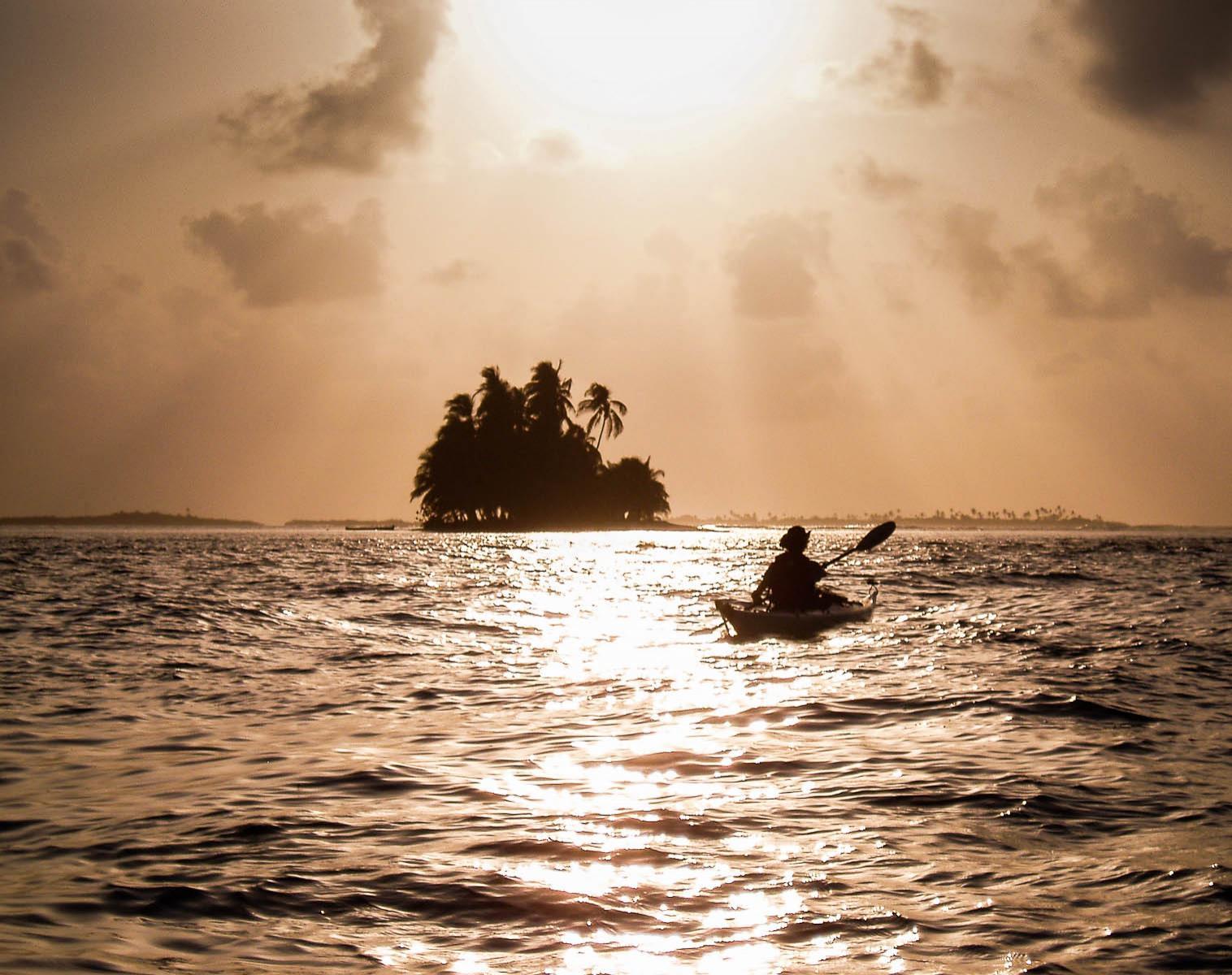 Panama  Pays Kuna   Kayak & canot