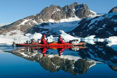 Kayak de mer entre glaciers et icebergs Groenland